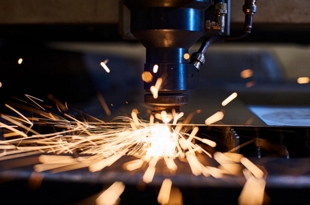 Лазерная сварка соединяет толстые материалы с большими зазорами