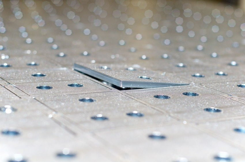 Mitsubishi представляет волоконные лазеры с искусственным интеллектом
